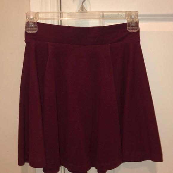 H&M Dresses & Skirts - maroon skater skirt
